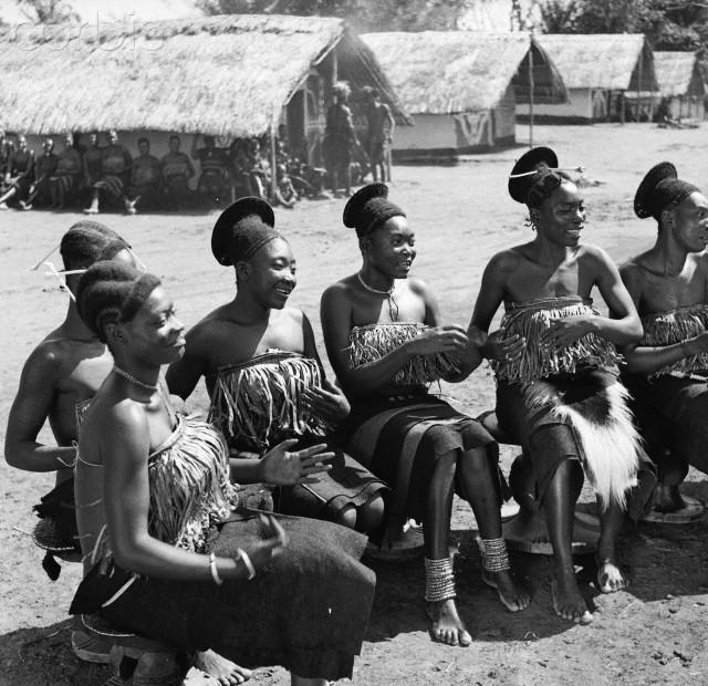 Mangbetu Women
