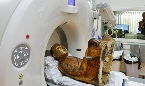 Buddha-statue-undergoing-CT-Scan